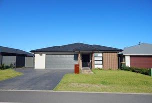 62 SEASIDE BOULEVARD, FERN BAY, Fern Bay, NSW 2295