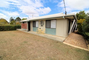 8 Peters Street, Goombungee, Qld 4354