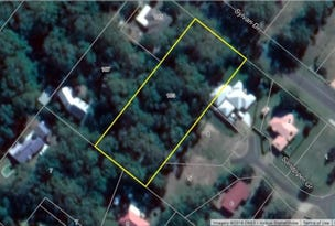 103 Sylvan Dr, Moore Park Beach, Qld 4670