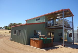 104 O'Conell Rd, Wandering, WA 6308