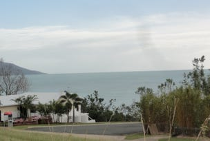1/5 Gloucester Avenue, Hideaway Bay, Qld 4800