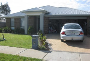 2 Danita Way, Cranbourne West, Vic 3977