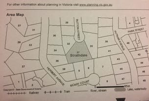 37 BUTTON STREET, Strathdale, Vic 3550