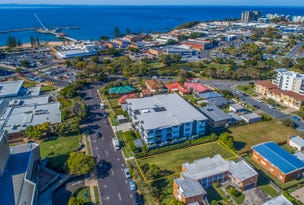 11 Downs Street, Redcliffe, Qld 4020