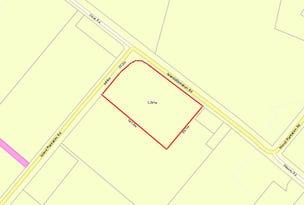 12 Island Plantation Road, Island Plantation, Qld 4650
