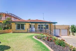 Port Noarlunga, address available on request
