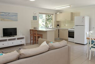 8 Sovereign Road, Amity Point, Qld 4183