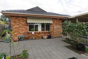 33 Sunny Place, St Johns Park, NSW 2176