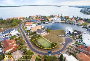 8 Queen Guineveres Place, Sovereign Islands, Qld 4216