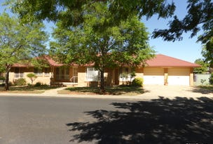 5 Arana Place, Parkes, NSW 2870