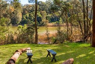 90 Lake Shore Drive, North Avoca, NSW 2260