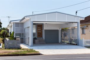 72 King St, Woody Point, Qld 4019