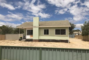 87 Kitchener Road, Merredin, WA 6415