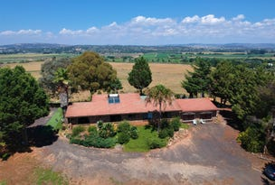 561 Sofala Road, Laffing Waters, NSW 2795
