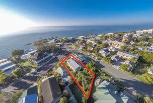 15  WHYTECLIFFE PARADE, Woody Point, Qld 4019