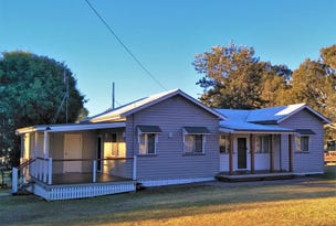 2 New England Highway, Crows Nest, Qld 4355
