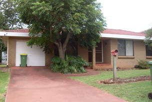 9 Meadow Court, Centenary Heights, Qld 4350