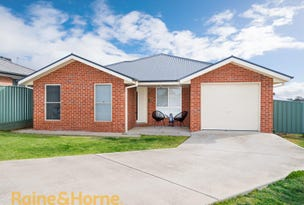 28 Quandong Place, Forest Hill, NSW 2651