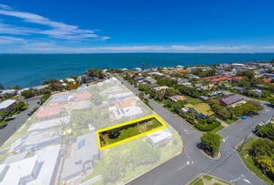 12 Bailey Street, Woody Point, Qld 4019