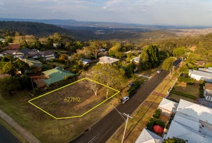 92 Tourist Road (13 Crown Street), Rangeville, Qld 4350