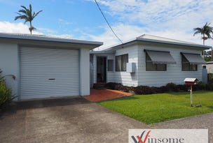 2 Baker Drive, Crescent Head, NSW 2440