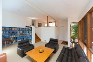 13 Bage Place, Mawson, ACT 2607