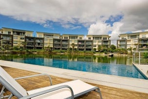 216/3 Pendraat  Parade, Hope Island, Qld 4212