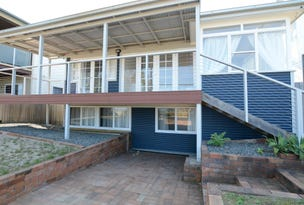 18 Pacific Parade, Old Bar, NSW 2430