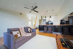 2/11 Arnold Street, Manly, Qld 4179