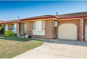 2/374 Sandrina Drive, Lavington, NSW 2641