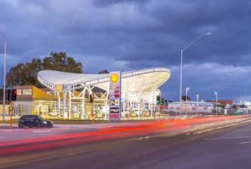 Fresh Trading Co, Gloria Jeans & QMS Media, 472-480 Great Eastern Highway Ascot, WA 6104