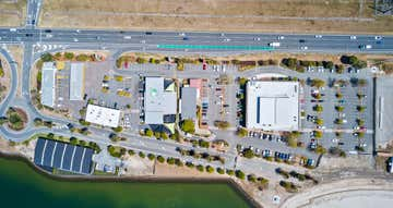 1a/1 Lakeview Boulevard Mermaid Waters QLD 4218 - Image 1