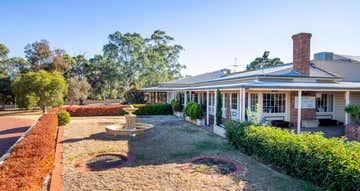 Middlebrook Estate 252 Sand Road McLaren Vale SA 5171 - Image 1