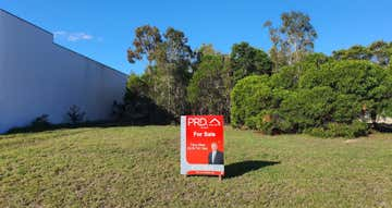 8 Victory East Street Urangan QLD 4655 - Image 1