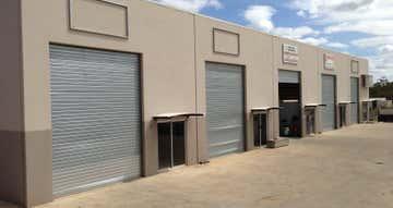 1,3,4&5, 27-29 O'Neil Street Moranbah QLD 4744 - Image 1