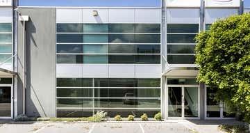 10/3 Westside Avenue Port Melbourne VIC 3207 - Image 1