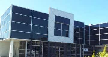 2/5 Navigator Place Hendra QLD 4011 - Image 1
