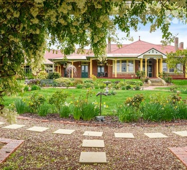 Orana House B&B, 20 Lowelly Road, Lindisfarne, Tas 7015