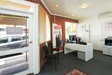 Unit 2, 142 Little Ryrie Street Geelong VIC 3220 - Image 4