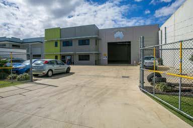 8 Mordaunt Circuit Canning Vale WA 6155 - Image 3