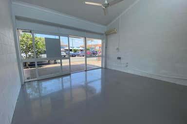 1/11 Palm Beach Avenue Palm Beach QLD 4221 - Image 3