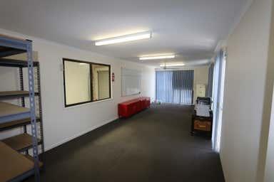 1/11 Ramly Drive Burleigh Heads QLD 4220 - Image 4