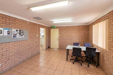 7/71 Racecourse Road Rutherford NSW 2320 - Image 4