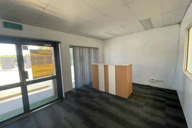 10/1 Stockwell Place Archerfield QLD 4108 - Image 4