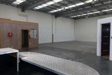 Unit 3, 13 Westwood Drive Ravenhall VIC 3023 - Image 4
