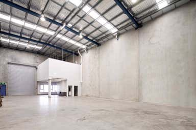High clearance unit with total area: 413m²* - Image 3