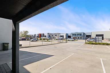 Unit 2, 23 Mordaunt Cct Canning Vale WA 6155 - Image 3