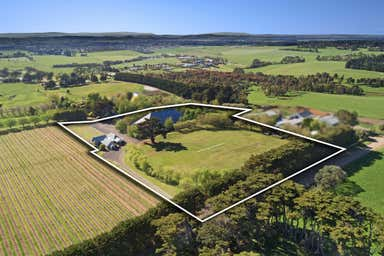 3A Glenfern Road Romsey VIC 3434 - Image 2