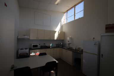 1/636 Northcliffe Drive Kembla Grange NSW 2526 - Image 3