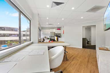 Suite 16/13 Karp Court Bundall QLD 4217 - Image 4